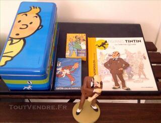 TINTIN Figurine + Livret + Boite + 2 jeux de cartes