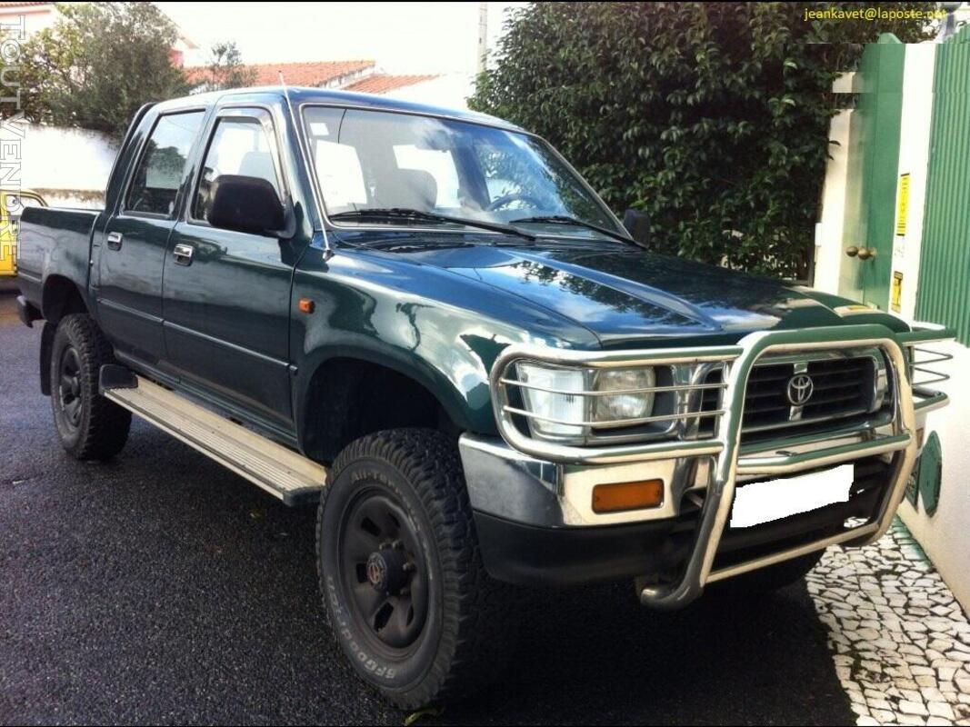 Toyota hilux double cabine en bon état 730371174