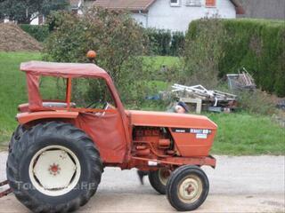 Tracteur Renault 89 avec remorque et benne
