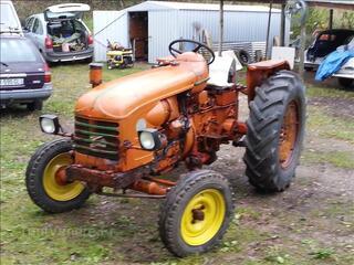 Tracteur Renault d 35