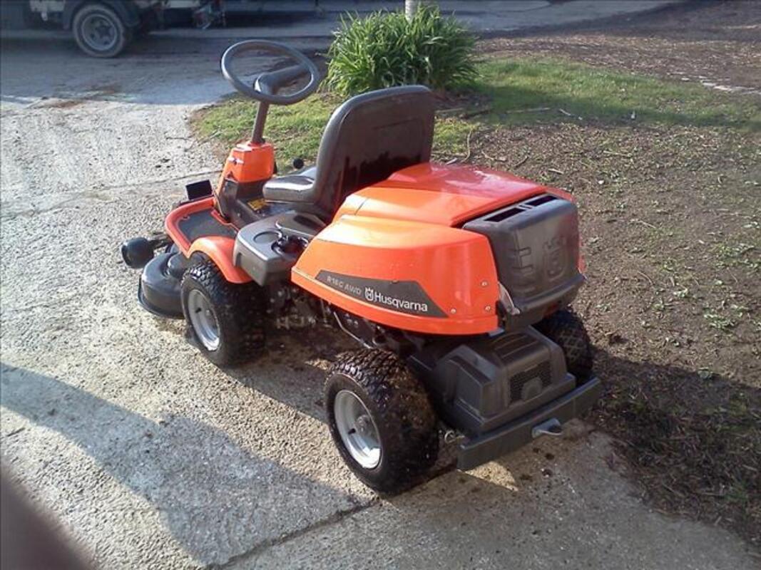 +++ Tracteur tondeuse Husqvarna Rider R16C AWD +++ 76196275