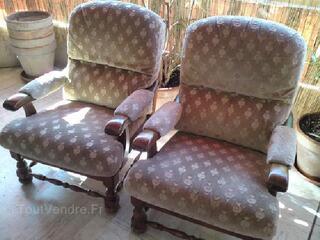 Tres beaux et confortables fauteuils ,bois et tissu