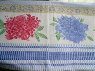 Tres belle nappe BEAUVILLE ( blanc bleu ...) 170X340