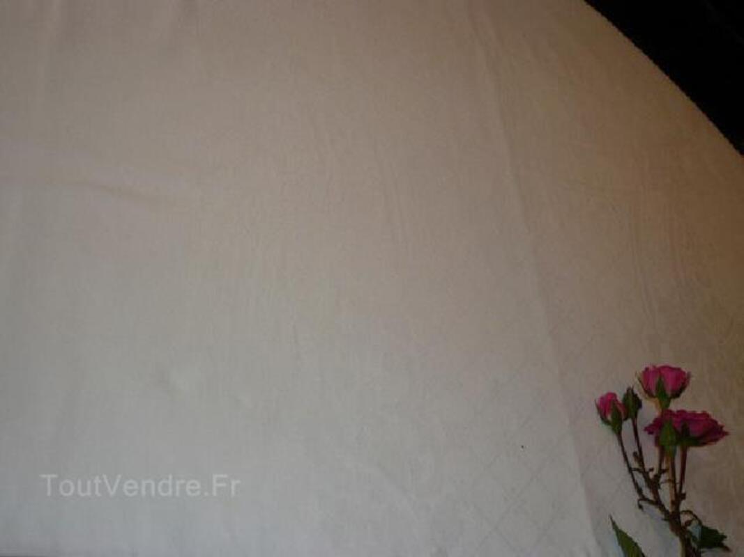 TRES BELLE NAPPE BLANCHE DAMASSEE fleurs 2M X 1,52M 90046894