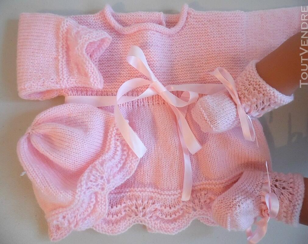 Tricot laine bébé fait main brassière rose 119351452