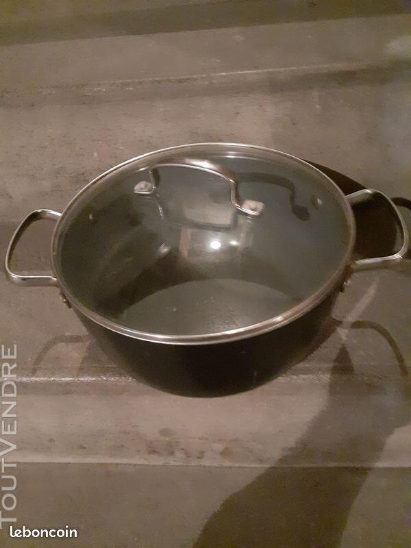 Une cocotte de cuisine une bonne affaire 684589228