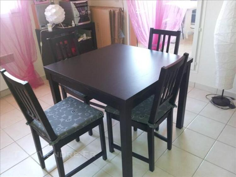 URGENT Table BJURSTA 4/6 pers + 4 chaises 82563561