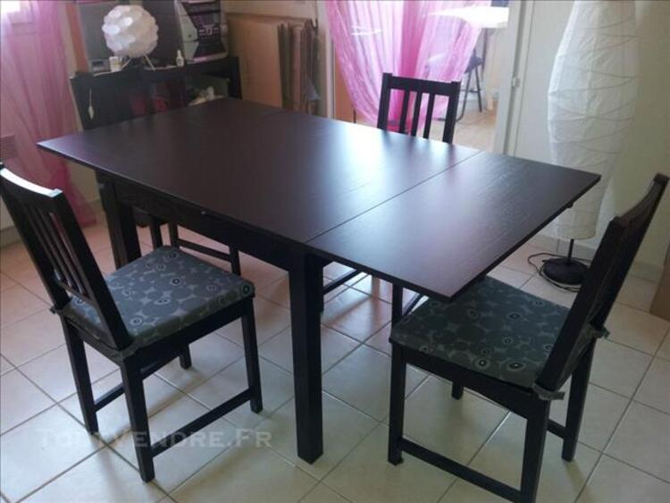 URGENT Table BJURSTA 4/6 pers + 4 chaises 82563562