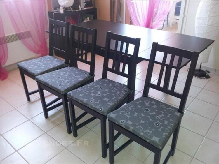 URGENT Table BJURSTA 4/6 pers + 4 chaises 82563563