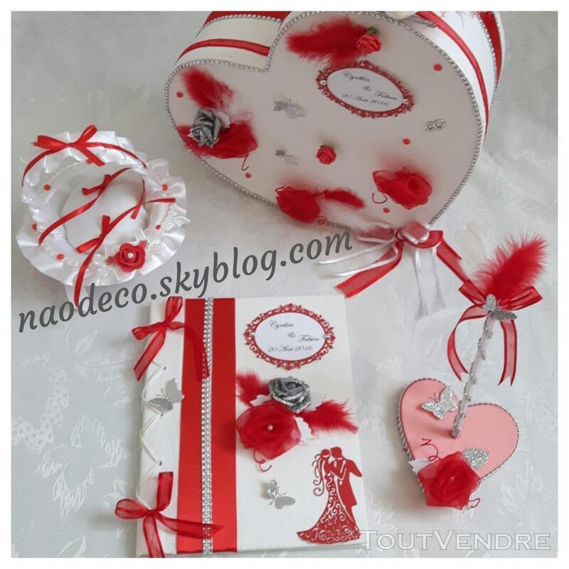 Urne mariage coeur blanc rouge 144303071