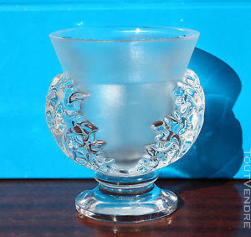 Vase en Cristal Lalique modèle St Cloud 395529765