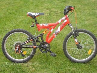 Vélo  20  pouces    b twin