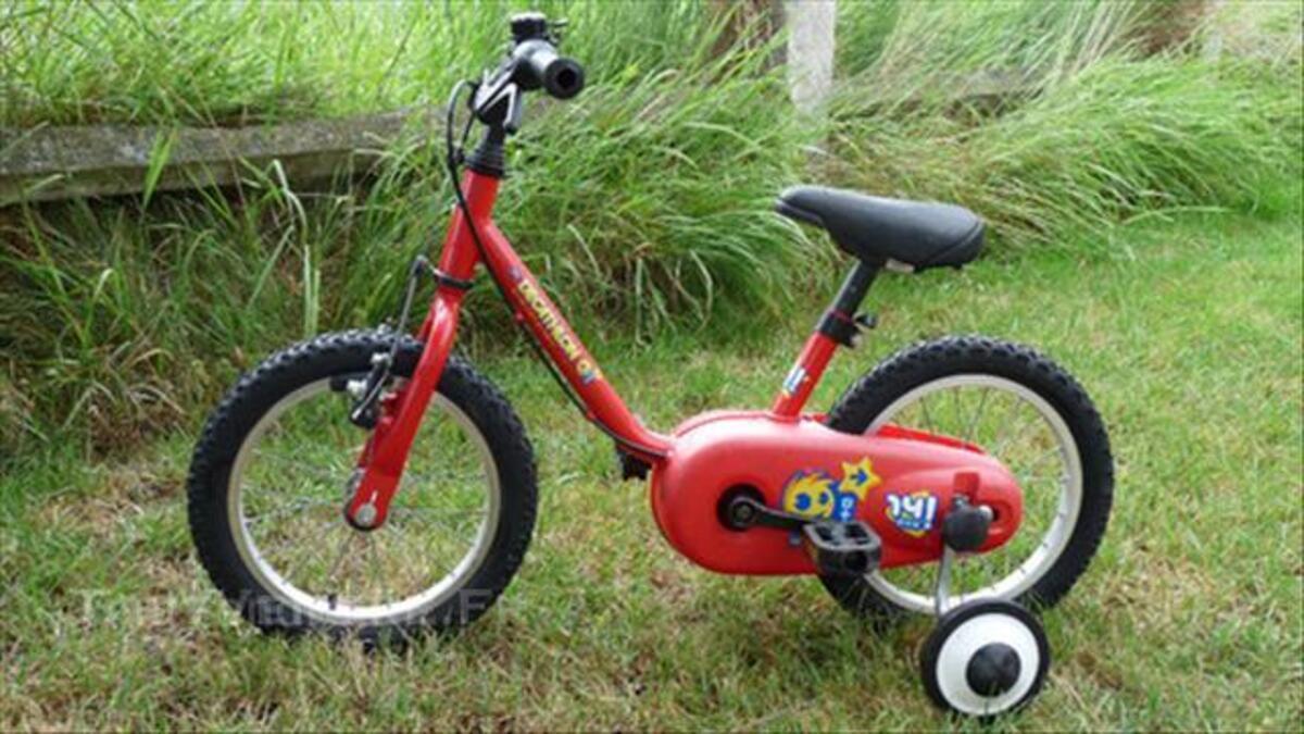 Vélo B'Twin 14 pouces rouge 43804353