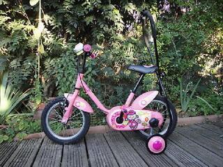 Vélo b'Twin à roulettes fille