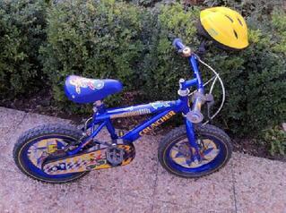 Vélo bleu enfant de 3 à 6 ans + casque