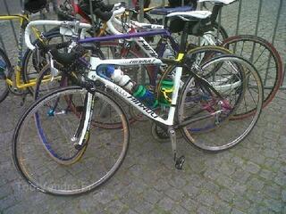 """Vélo carbone cadre O""""RKA marqué vélo-Hinault"""