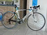 Velo de course kuota kult full carbone