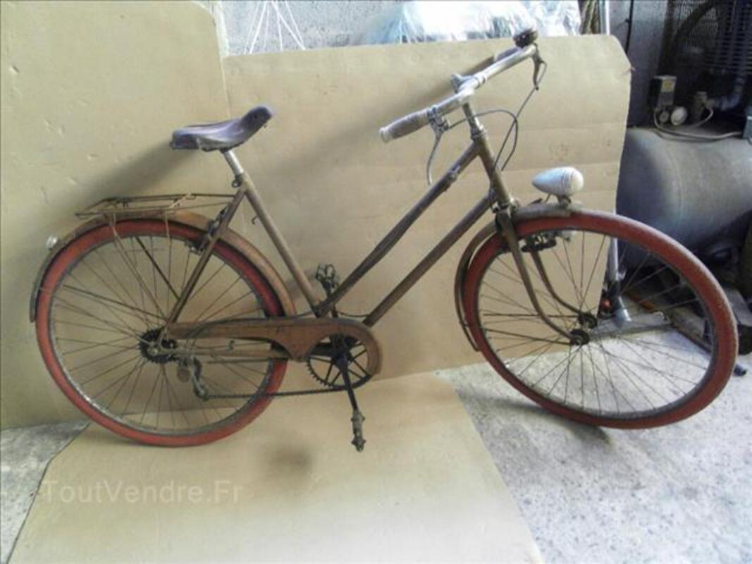 Vélo de femme ancien 71320587