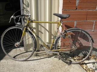 Vélo demi-course homme à restaurer