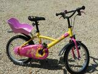 Vélo fille 5-8 ans avec porte-poupée
