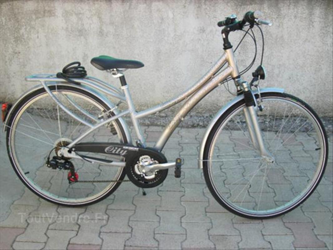 Vélo VTC Femme alu taille 43 état neuf valeur 299e 55838872