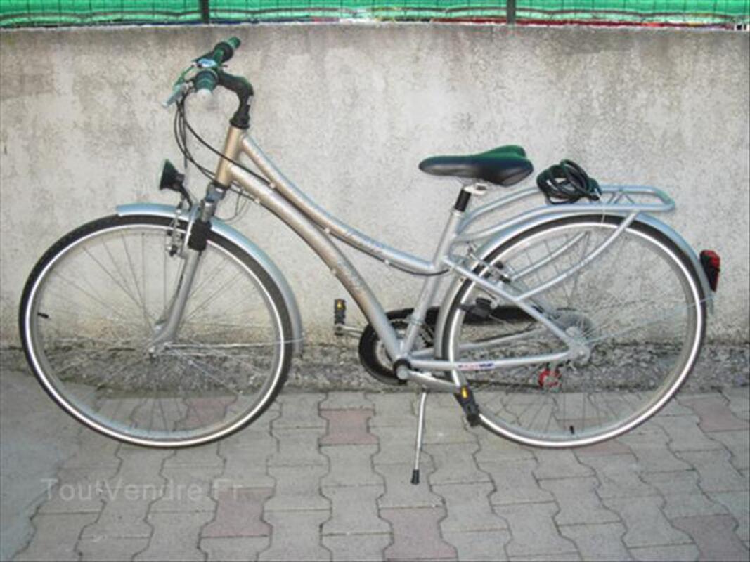 Vélo VTC Femme alu taille 43 état neuf valeur 299e 55838873