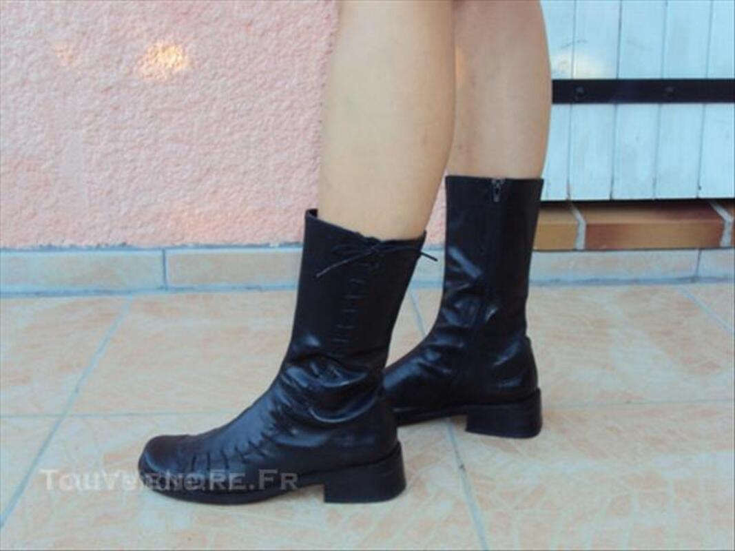 Vend bottes en cuir noires 49321331