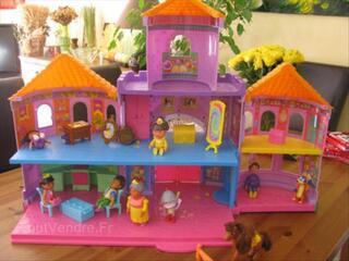 Vends chateau de Dora avec accessoires
