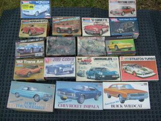 Vends maquettes voitures Monogram Revell 1/24 en boites