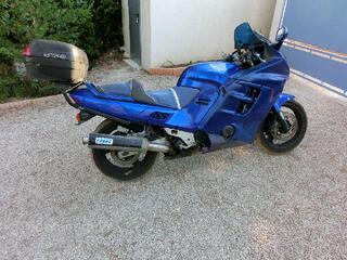 VENDS MOTO HONDA 1000 F CBR