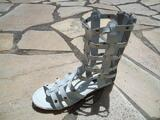 Vends sandales femmes spartiates blanches taille 39.