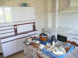 Vente cuisine, salle à manger,chambres, et bois divers dans