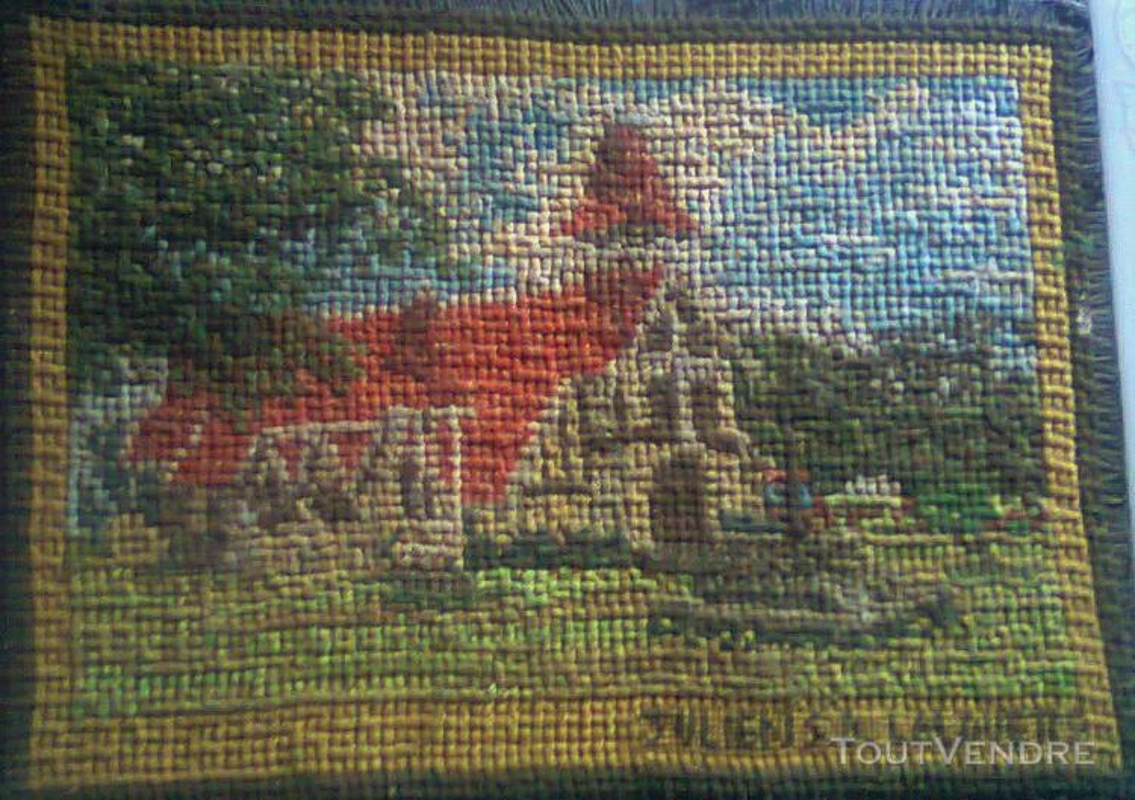 Vente de petit tapisserie fait de point de croix 138012594