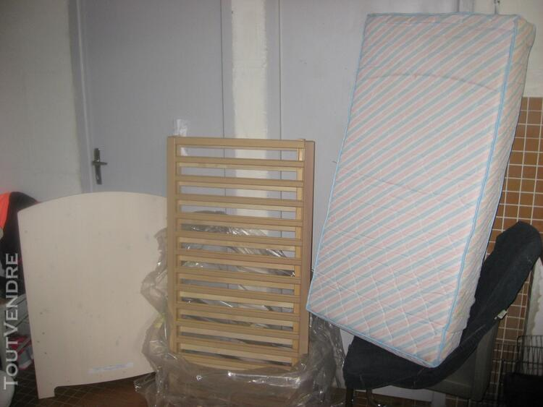 Vente lits + poussette + rehausseur (enfant) 141004565