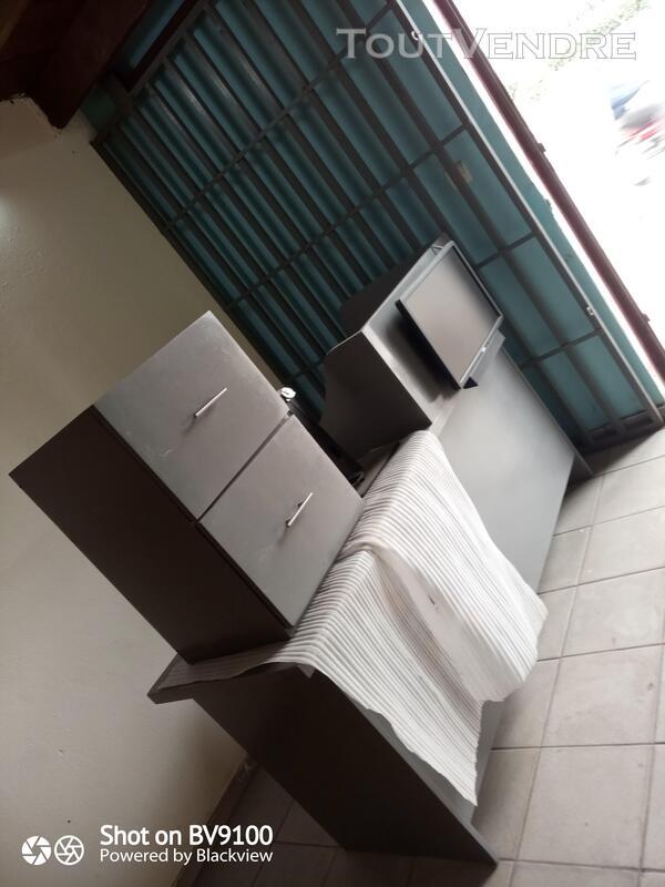 Vente table pour réception avec écran publicitaire 743449940
