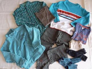 Vêtements garçon hiver 8ans en parfait état LOT 3