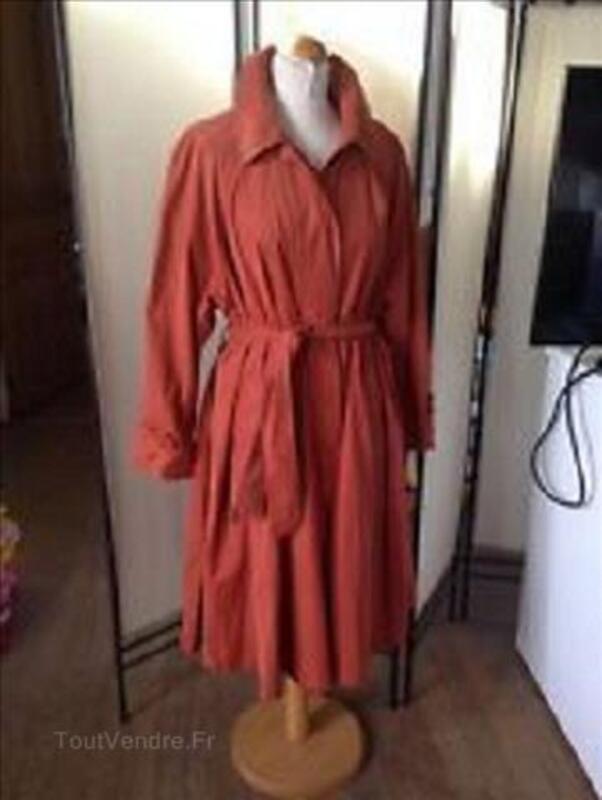 Vêtements, manteaux et VIDE MAISON en Mai/juin 106944119