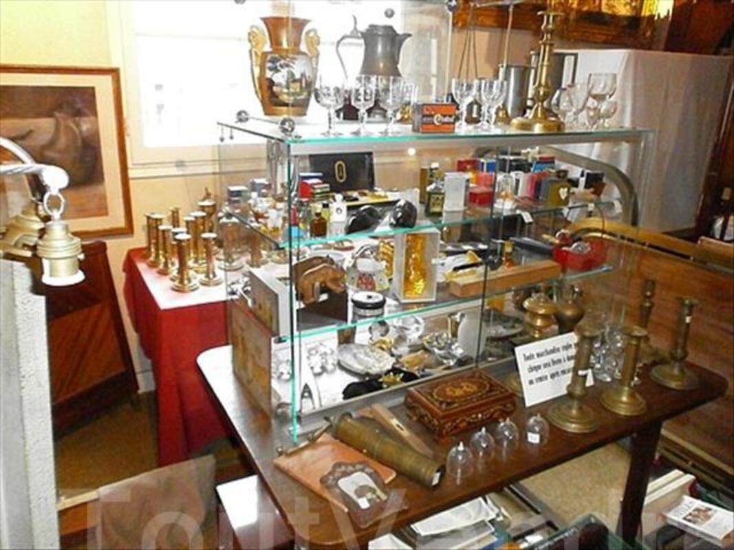 Vide magasin antiquites brocante atelier 102542752