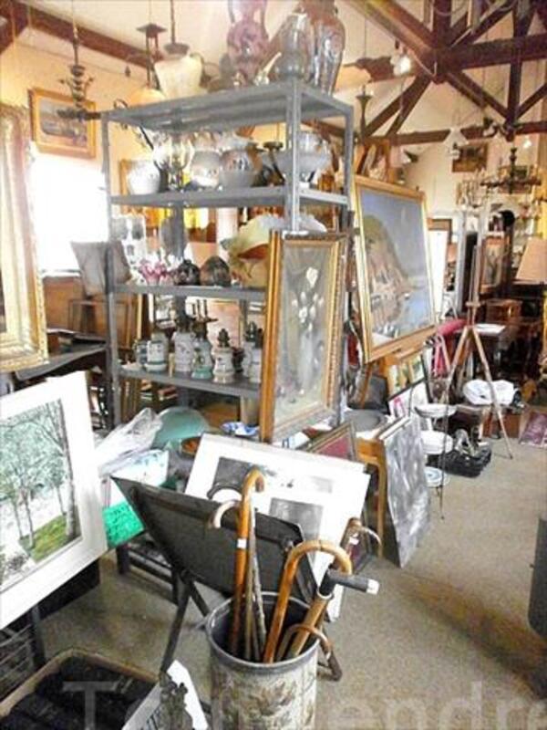 Vide magasin antiquites brocante atelier 102542753