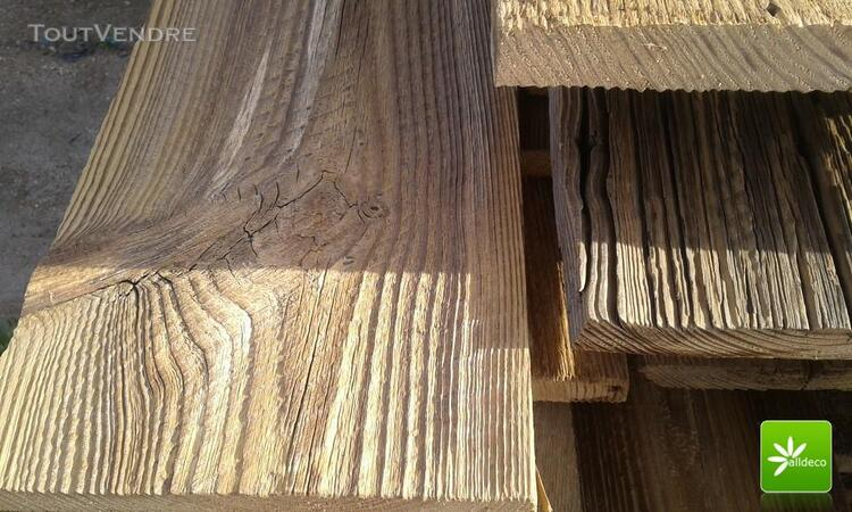Vieux bois-planches de bardage 389047359