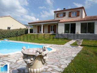 Villa 7 pièces 160 m² avec piscine