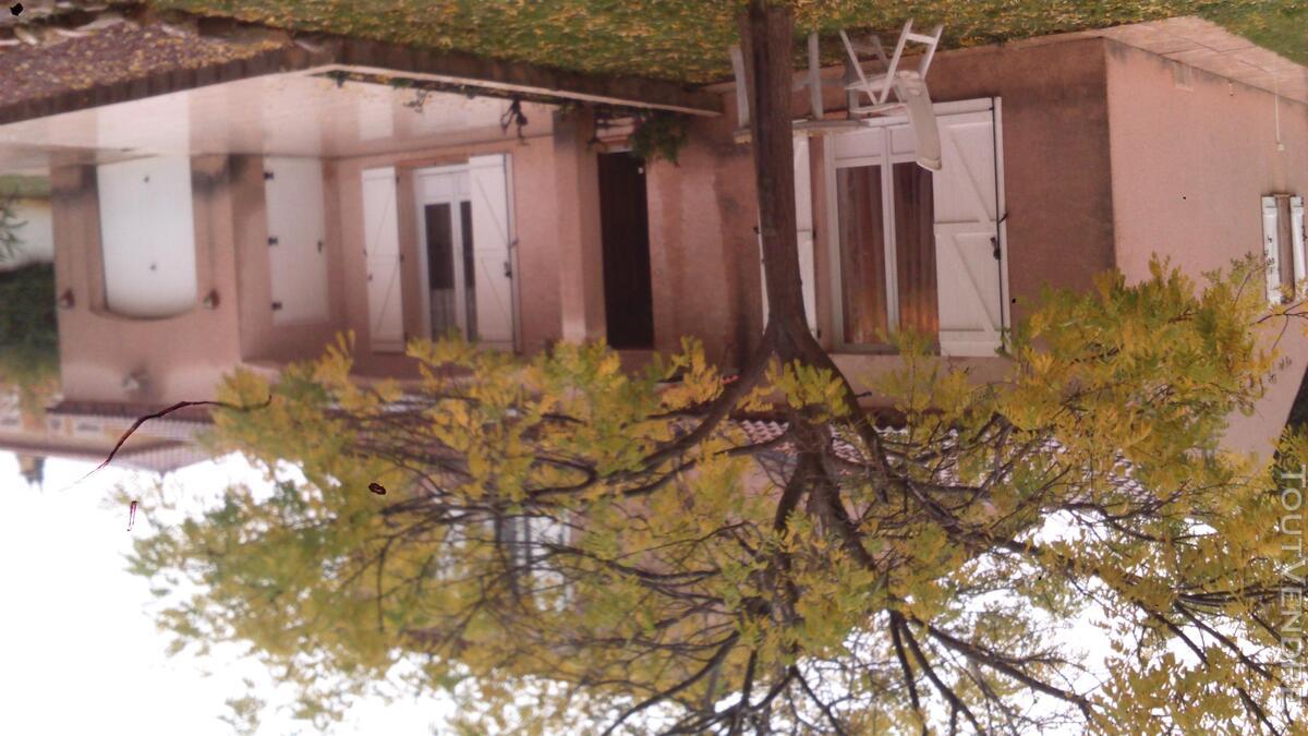 Villa familliale de 100 m² sur un terrain de 1096 m². 444471850