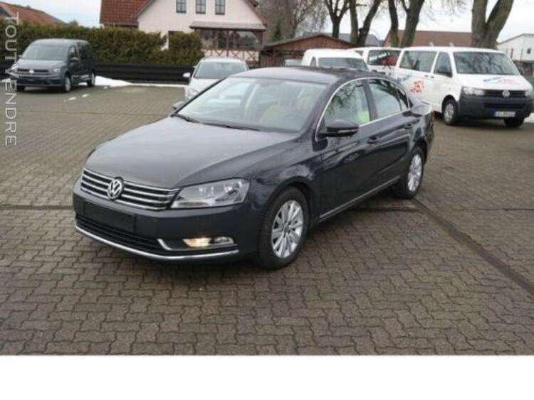 VW Passat 127409659