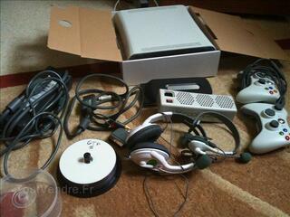 Xbox 360+19 jeux+2 casque+disque dur+2 manettes+xcooler  xb