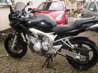 Yamaha FAZER FZ6 S2, noire, 600 cm3, 98 cv
