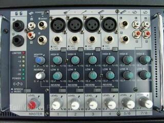 Yamaha STAGEPAS 300 système de sonorisation portable