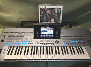 Yamaha TYROS 5 - parfait état - clé 61