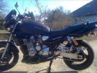 Yamaha XJR 1300 année 2001
