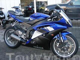 Yamaha YZF R6 Bleue