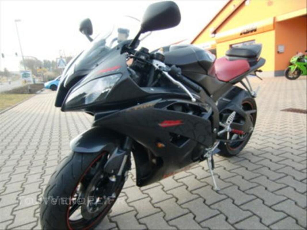 Yamaha YZF R6 43789667